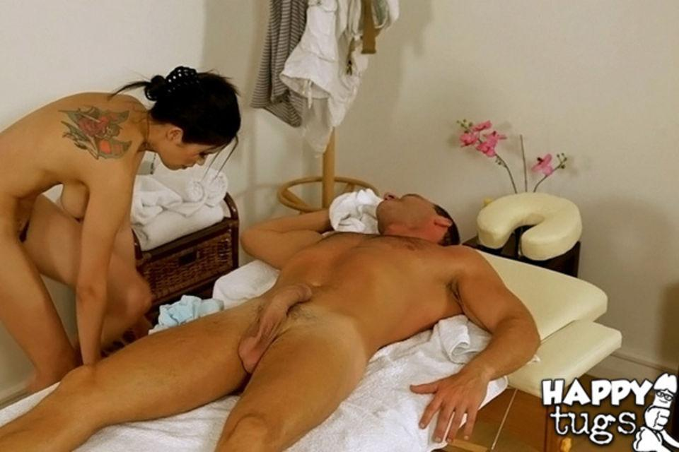 порно на масажном столе фото